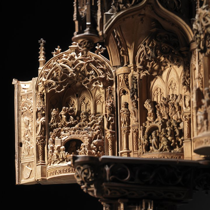 S279, Boxwood Miniature Triptych, detail