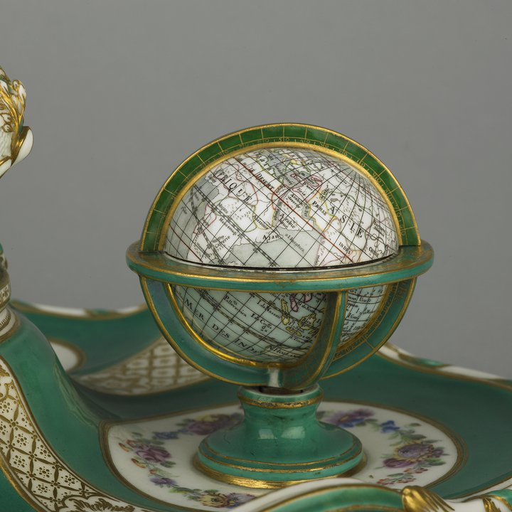 C488 globe front, inkstand, Sèvres