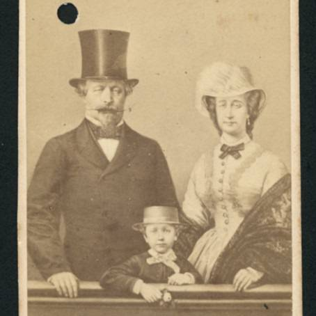 A visiting card showing Emperor Napoleon III, Empress Eugénie and the Prince Imperial