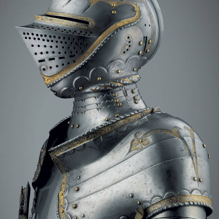 Head and shoulders photograph of a suit of armour