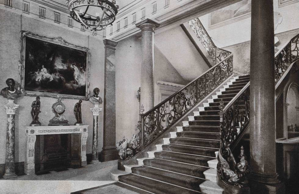 S17-18, AL Baldry, The Wallace Collection, 1904, Entrance Hall.jpg