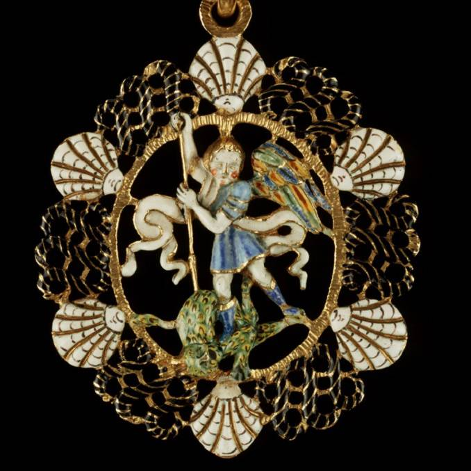 Recent Discoveries: A Pendant and Rosary Beads – Orders of Saint Michel and the Saint-Esprit
