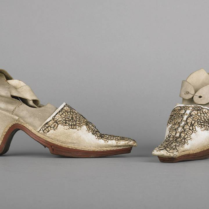 Treasure of the Month: A pair of English shoes, 1660–80s