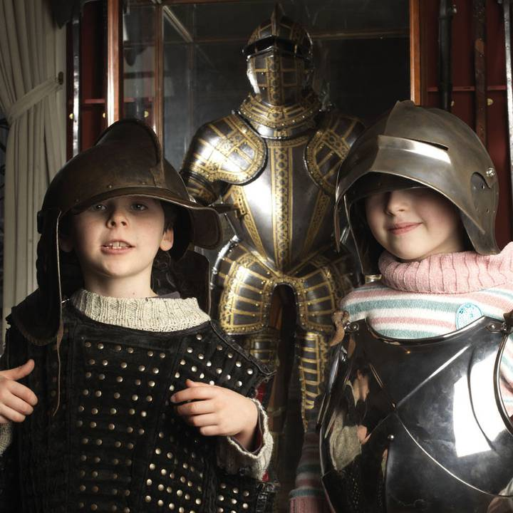 Knight or Foot Soldier? A Hands-On Armour Handling Session